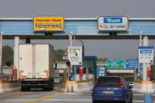 Rimborsi pedaggi autostradali, cambiano i parametri: fuori anche gli Euro 2!!!