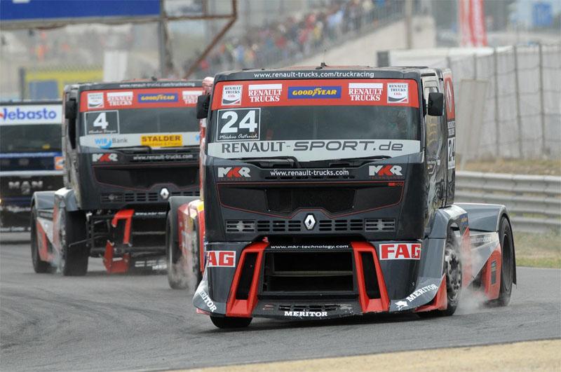 Il team Renault Trucks-MKR Technology difende la propria corona