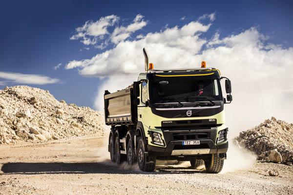 Il nuovo Volvo FMX: Innovazioni rivoluzionarie per una maggiore efficienza nel settore della cantieristica