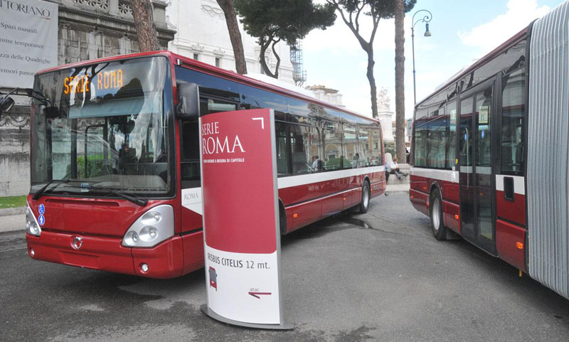 Presentati i nuovi autobus Iveco Irisbus per la città di Roma