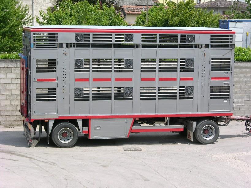 Saluzzo (CN), camionisti a corso sul benessere degli animali