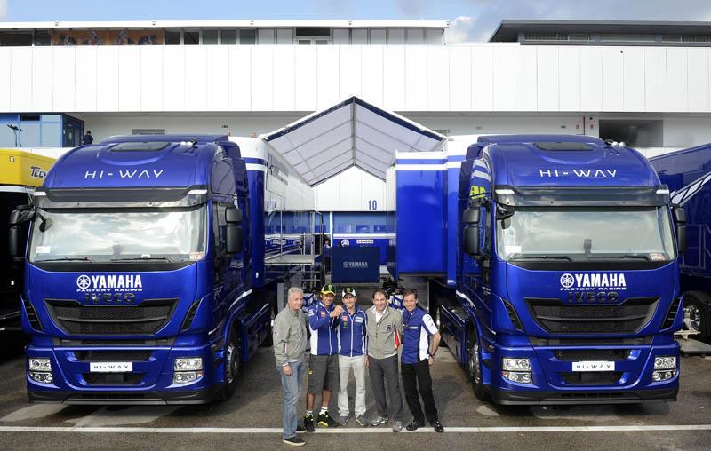 MotoGP: consegnati 20 nuovi Stralis Hi-Way Iveco al Team Yamaha Factory Racing e a Dorna Sports