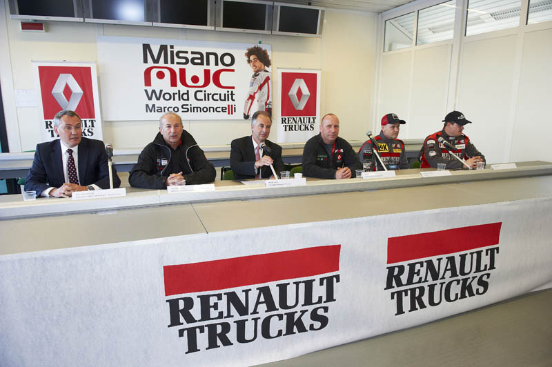 Truck Racing 2013: nuova stagione, nuovo design per Renault Trucks-MKR Technology