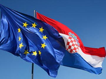 Croazia, da lunedì 1° luglio, viaggi con la licenza comunitaria