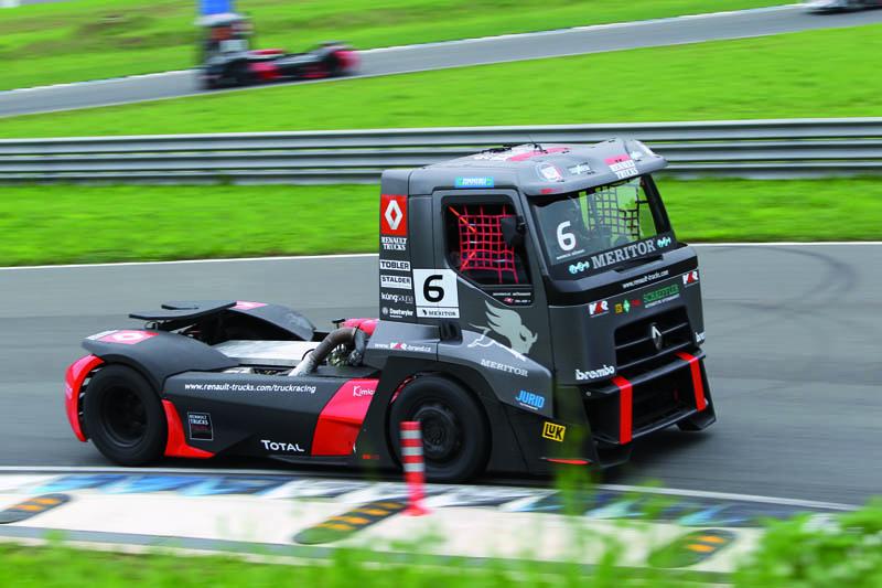 Renault Trucks, emozioni forti a Smolensk (Russia) durante la 6. tappa del campionato europeo di Truck Racing