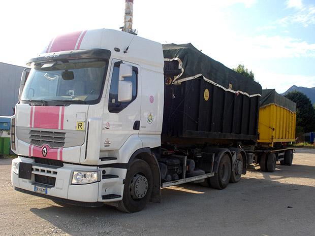 L'Unione Europea mette nel mirino i trasporti illegali di rifiuti