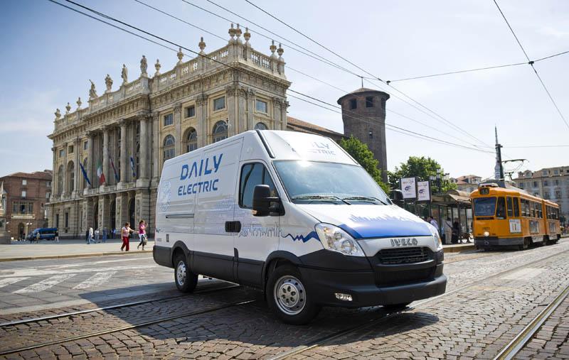 """Iveco alla prima edizione dello """"Smart Mobility World"""" di Torino"""