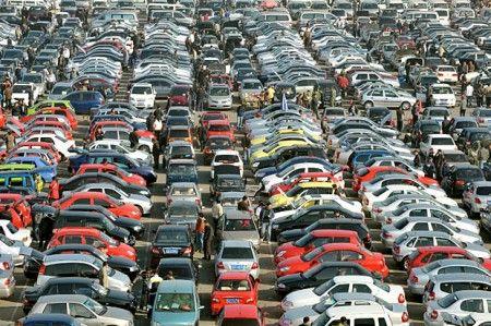 Auto, anche agosto 2013 segna un ribasso delle vendite