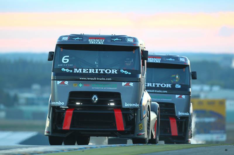 Doppietta di Renault Trucks sul circuito di Le Mans