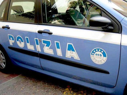 Camionista scopre i ladri, la Polizia li insegue e li ferma