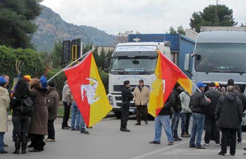 Proclamato il fermo dell'autotrasporto in Sicilia