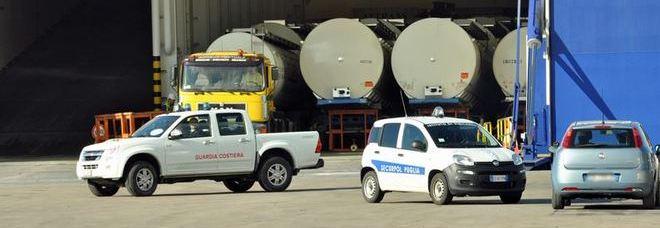 Brindisi, camionista greco muore uscendo dal traghetto