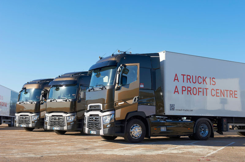 brindisi in franciacorta per i renault trucks t. Black Bedroom Furniture Sets. Home Design Ideas