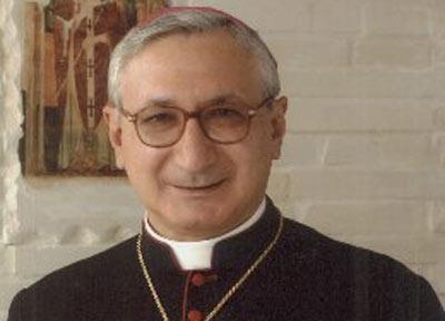 Taranto, vescovo Santoro incontra gli autotrasportatori che manifestano