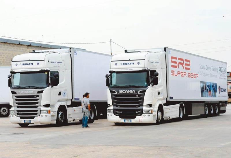 Ribatti-Veicoli-Industriali_concessionaria-Scania_inaugurazione-19-settembre-2014_2