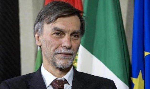 Delrio: 'Profondo disappunto per notizie su blocchi tir in Tirolo'