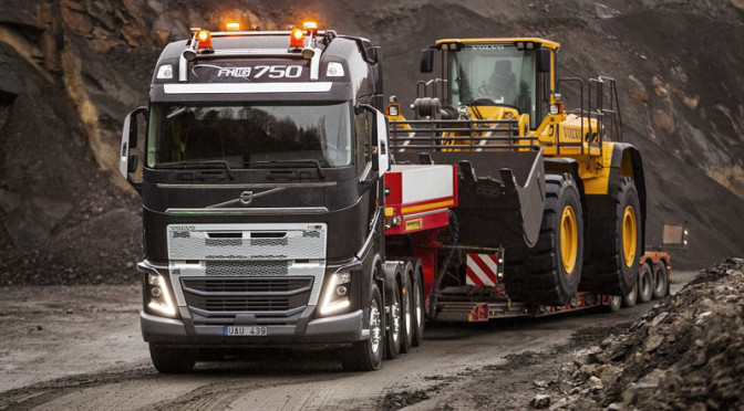 Volvo FH con nuovo paraurti per condizioni difficili…