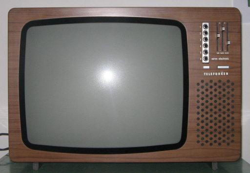 Trasporta televisori, rapinato in area di servizio a Foggia