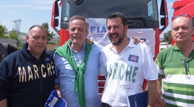 Matteo Salvini visita gli autotrasportatori FIAP di Ascoli Piceno
