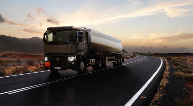Renault Trucks T cisterna: priorità a carico utile e sicurezza