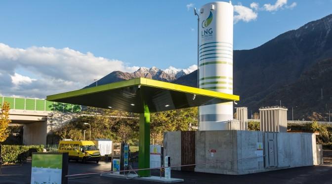 Inaugurata la stazione LNG di Gera Lario (CO) con cornice di Iveco Stralis NP