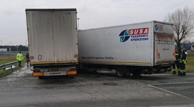 Scontro tra camion all'Interporto di Rivalta Scrivia