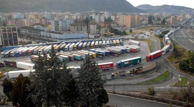 Nuova gestione del traffico alla dogana di Chiasso-Brogeda (Svizzera)