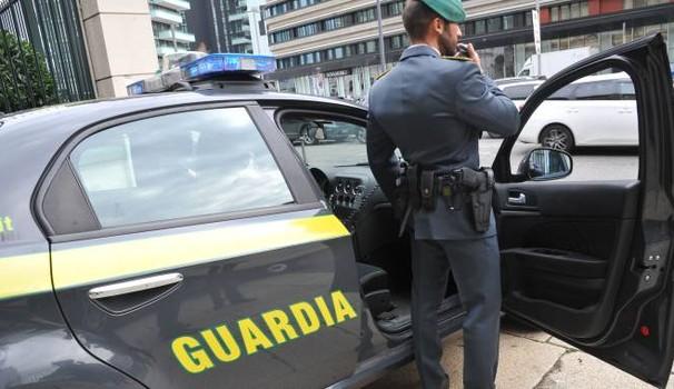 Dall'Albania al porto di Ancona con 16 chili di eroina nel camion: arrestato un camionista