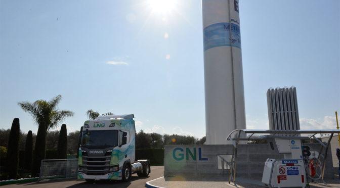 Scania con Gruppo Bianco Petroli per la prima stazione LNG del Sud Italia