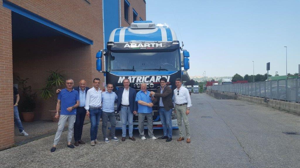 Uno Stralis Abarth Limited Edition per l'azienda di logistica Matricardi