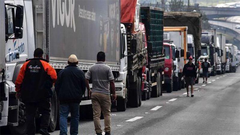 In Brasile lo sciopero dei camionisti fa chiudere 167 fabbriche alimentari