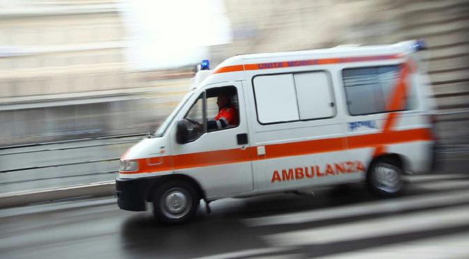 Camionista muore nel magazzino di un'azienda del Pisano