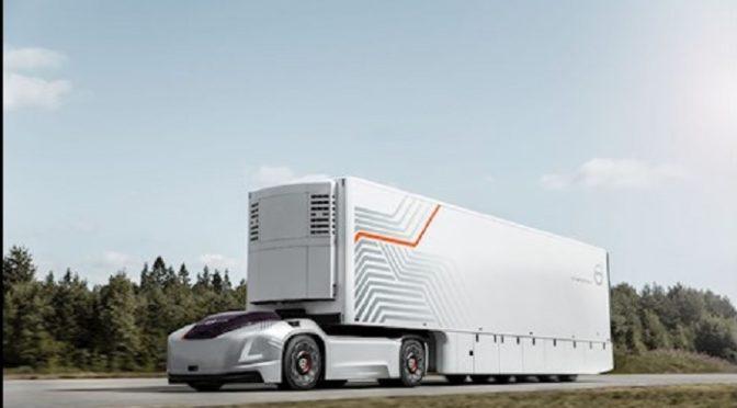 Volvo Trucks presenta i veicoli elettrici a guida autonoma, la soluzione di trasporto del futuro