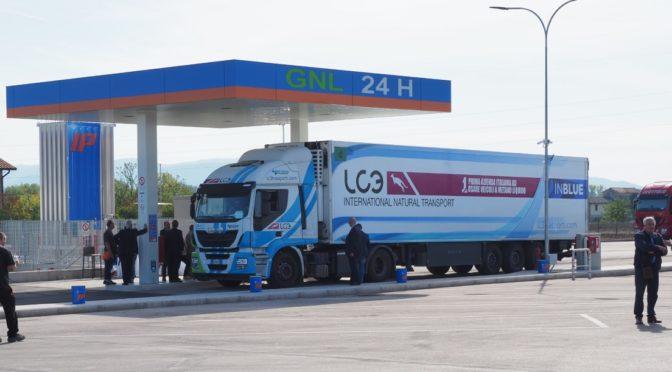 Iveco a fianco di Automigliorgas all'inaugurazione della nuova stazione di servizio LNG a Balanzano (PG)