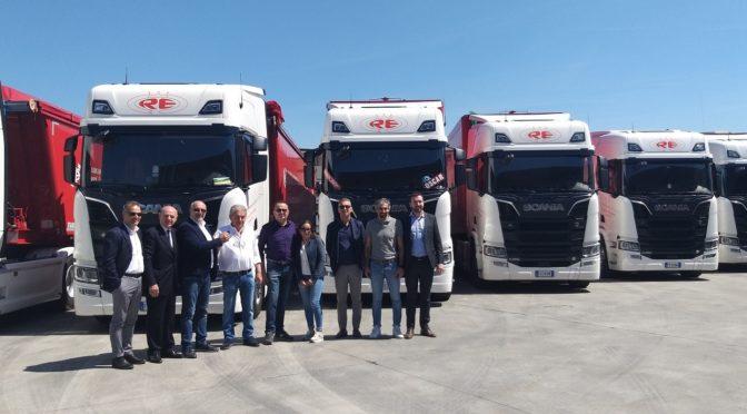 Re Sergio Autotrasporti: 32 V8 Scania nell'anno del 50° anniversario
