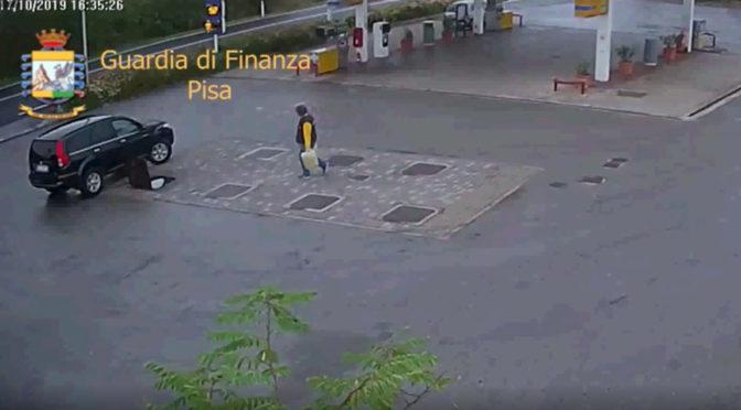 Miscelavano gasolio con olio di girasole: sequestrato distributore e denunciati i gestori